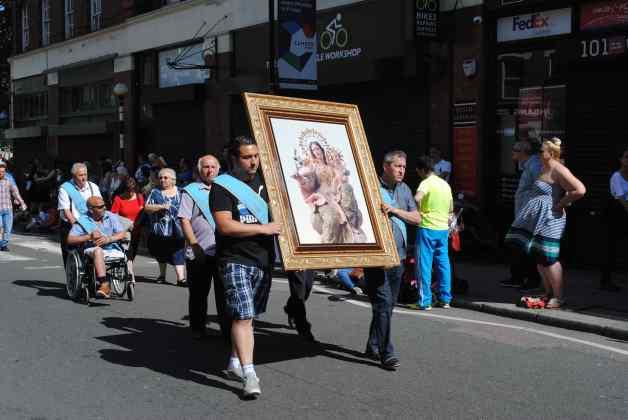 Italian procession 4